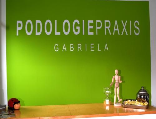 Podologie Praxis Gabriella übergibt Spende
